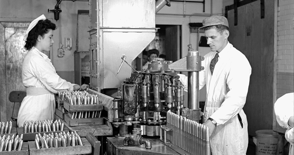 Deux ouvriers de l'usine de remplissage de munitions du Plan Bouchard